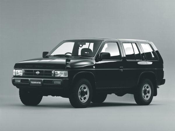 Комплект порогов Nissan Terrano