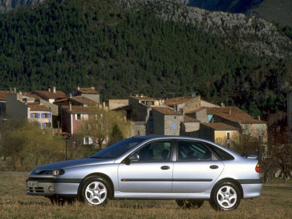 Комплект порогов Renault Laguna 1 (1994-2000)