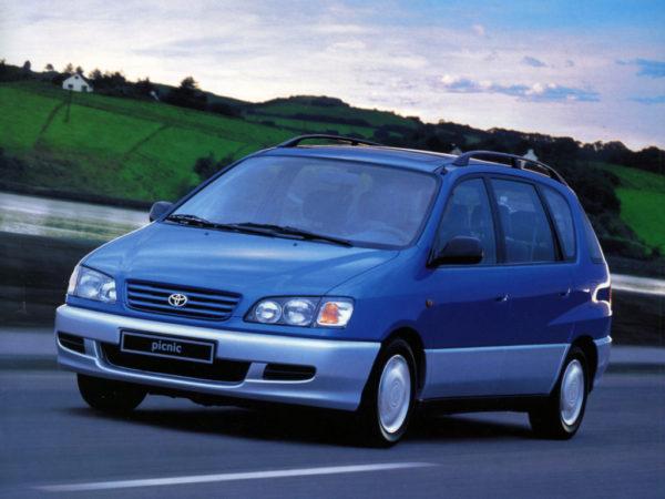 Комплект порогов Toyota Picnic (1996-2001)