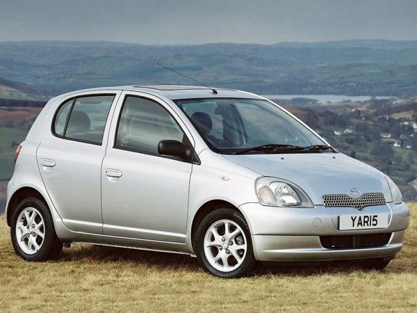 Комплект порогов Toyota Yaris 1 (1999-2004)