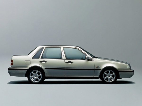 Комплект порогов VOLVO 460 (1988–1997)