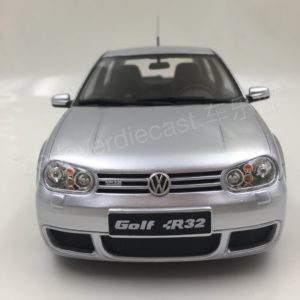 Комплект порогов VW Golf 4 (2003–2008)